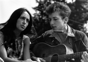 Joan Baez and Bob Dylan. Image courtesy of wikipedia.org.