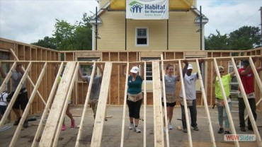 habitatboston_volunteers.jpg
